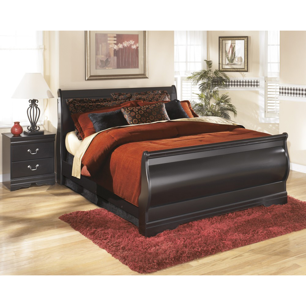 Huey Vineyard Double Bedroom Set In Black